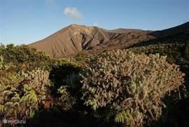 De top van Mount Marapi is niet meer ver meer