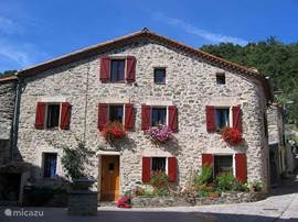 LE TROUBADOUR