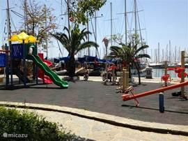 Speeltuin in de jachthaven van Bodrum.