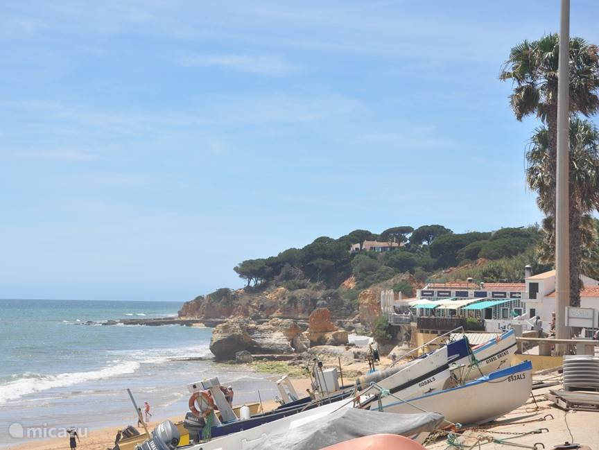 Strand nabij Albufeira