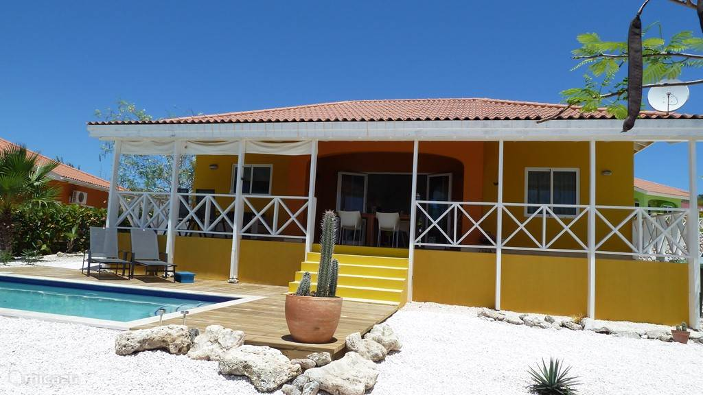 Vakantiehuis Curaçao, Banda Abou (west), Fontein vakantiehuis Villa Puesta de Sol met zwembad