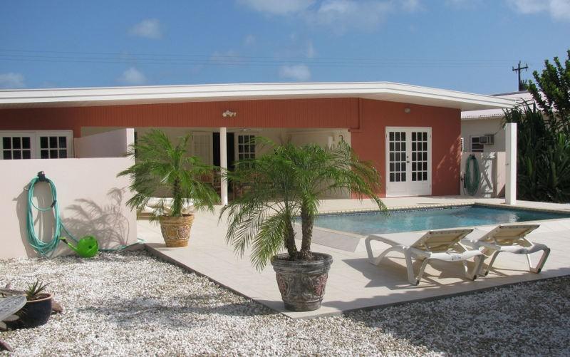 Heerlijke zonvakantie op Aruba. U verblijft in een luxe villa - Villa San Miguel, bij Eagle Beach. In sep. t/m dec. nog plaats met leuke kortingen.