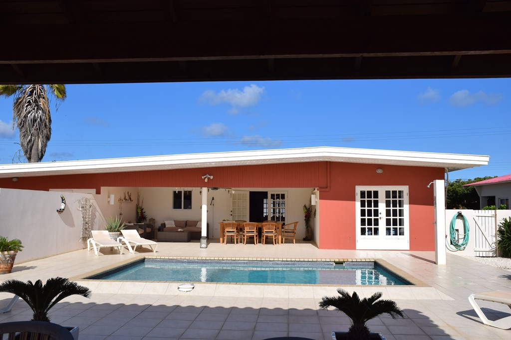 Een zon- en strandvakantie; De luxe villa - Villa San Miguel, Aruba. In november en december is er nog plaats. Interessante kortingen op de huurprijs