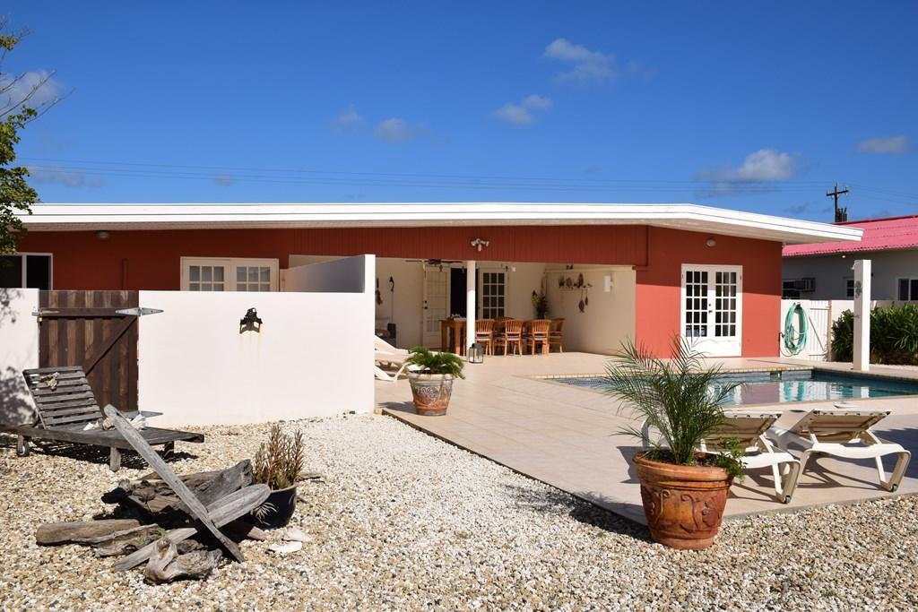 Nu aanbiedingen van KLM en TUI - boek nu de luxe villa - Villa San Miguel op Aruba - in april t/m augustus nog plaats. Voor een heerlijke zon-vakantie