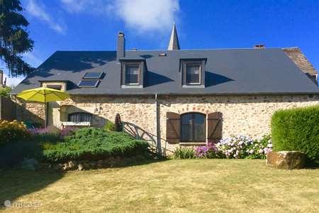 Vakantiehuis Frankrijk, Nièvre, Ouroux-en-Morvan vakantiehuis Le Bourg