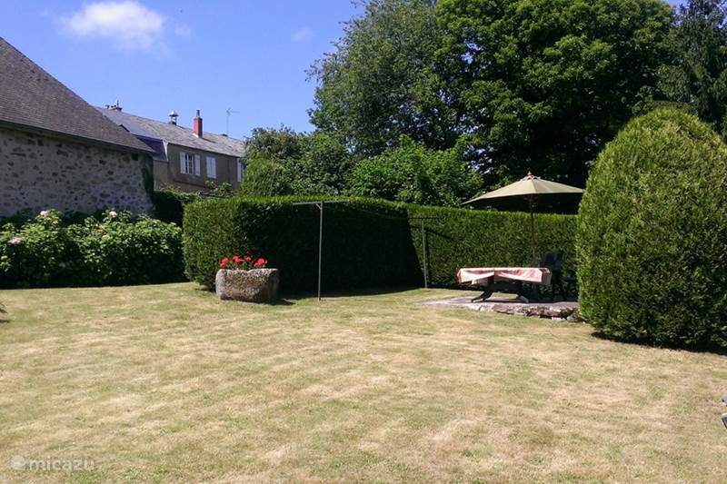 Vacation rental France, Nièvre, Ouroux-en-Morvan Holiday house Le Bourg