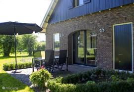 Het vakantiehuis voor 4 personen. met uitzicht over de essen en de weilanden!