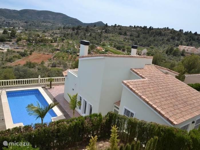 Villa met prachtige, rustige ligging. Mooi uitzicht over de groene omgeving.