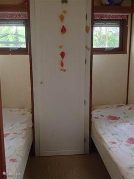 Slaapkamer 2  2 aparte bedden 70 x 200
