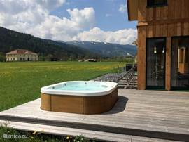 From your private outdoor Jacuzzi offers a magnificent view of the Kreischberg. Relax after a day of skiing or hiking .....