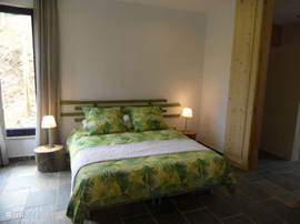 Casa da Oliveira heeft 2 slaapkamers elk met ruime badkamer en suite. (douche, wastafel, en toilet). 1 slaapkamer met een twee persoonsbed en 1 slaapkamer met 2 één persoons bedden. (3e bed is mogelijk).