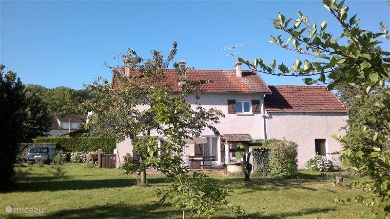 Vacation rental France, Auvergne, Coutansouze holiday house Villa Villard