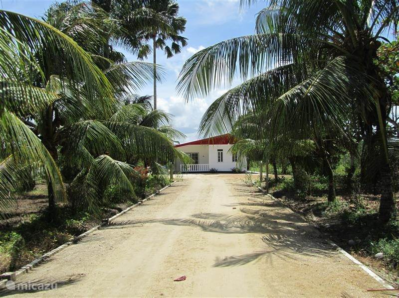 Vacation rental Suriname – holiday house Around The Corner