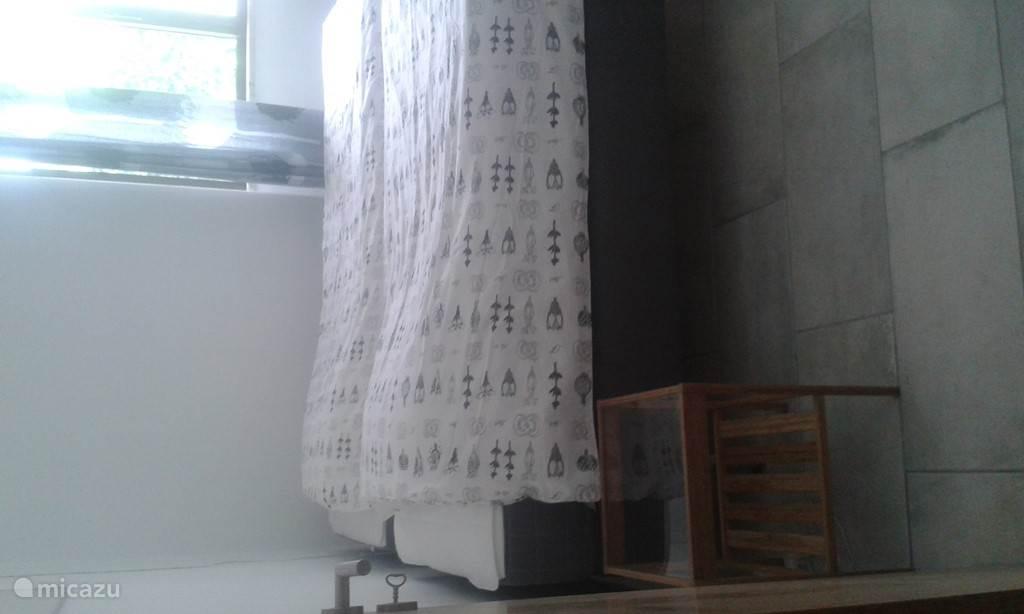 Slaapkamer met 2 bedden