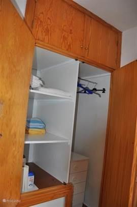 kast in de slaapkamer 2