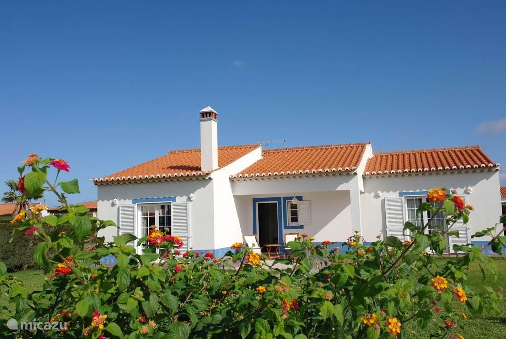 Vakantiehuis voor 4-6 personen dichtbij het strand en op loopafstand van uitkijkpunt over zee.