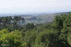 Indruk van uw uitzicht over het Dão-dal met in de verte de bergrug Caramulo.