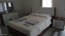 Ouder-slaapkamer 1e verdieping