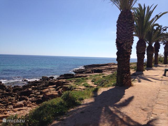 Geweldige zandstrand en Boulevard 250 meter van de villa  van Praia da  luz met terrassen en restaurants