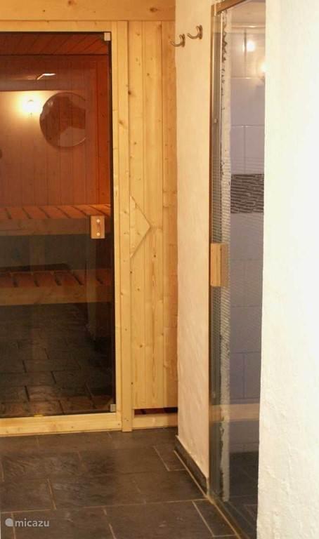4 Persoons Sauna en Doucheruimte