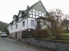 Aanzicht straatzijde Betten Haus