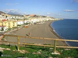 De stranden aan de oostkust van Málaga zijn een stuk rustiger. Rincon de la Victoria