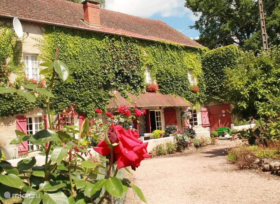Vakantiehuis Frankrijk, Auvergne, Ygrande vakantiehuis Le Moulin