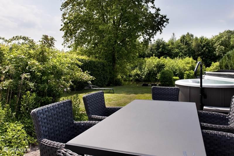Vakantiehuis Nederland, Groningen, Vlagtwedde Vakantiehuis Westerwolde-luxe, Boot & Buitenspa