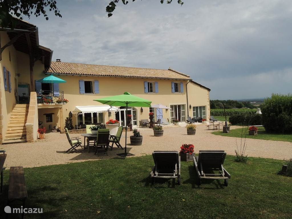 Vacation rental France, Burgundy, Vinzelles holiday house Chardonnay