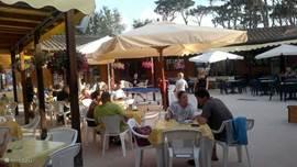 Ook veel Italianen op onze camping, dus ervaar de Italiaanse leefwijze. Echt met vakantie.