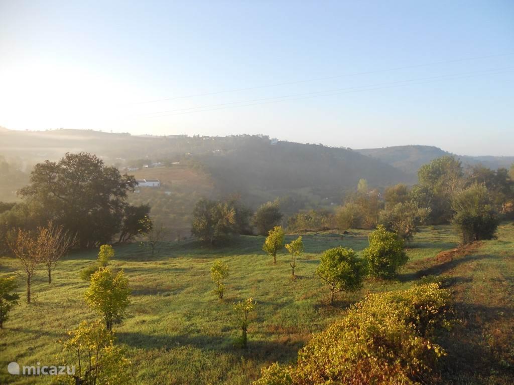 Casa na Colina is genieten van rust, privacy en een geweldig uitzicht midden in de natuur