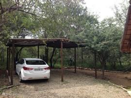 Parkeer uw auto in de schaduw. Zeker geen overbodige luxe in de zomers van Zuid Afrika.
