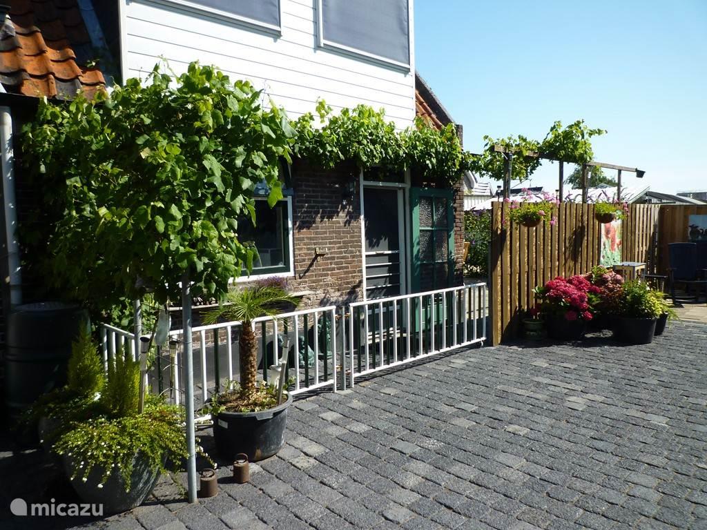 Vakantiehuis Nederland, Zuid-Holland, Roelofarendsveen Geschakelde woning Midden in het kloppend Groene Hart!