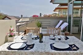 openlucht eetgedeelte op het dak