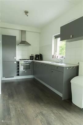 Moderne, open keuken voorzien van alle gemakken
