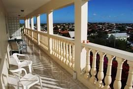 Balkon appartement 1 en 2 met een geweldig uitzicht.