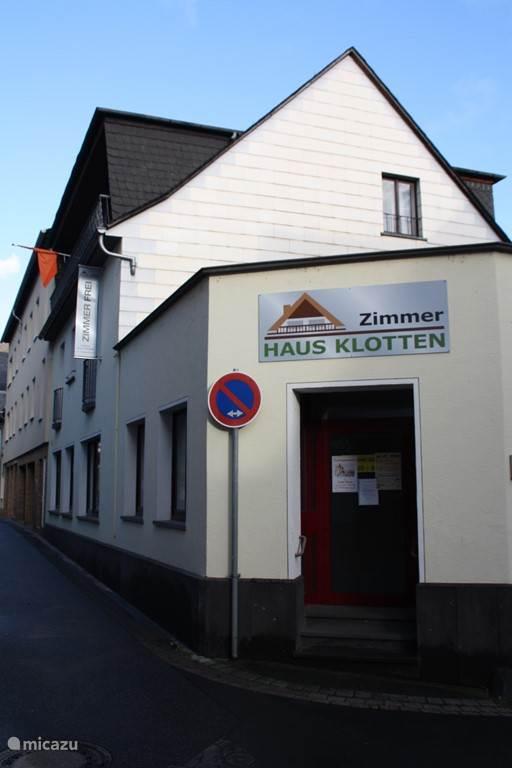 Straatzijde van Haus Klotten