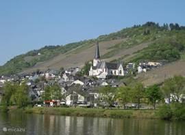Het dorpje Klotten aan de Moezel