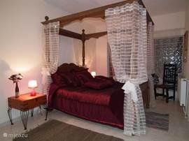 Kamer met hemelbed in Casa de Sobra