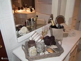 Kapperstafel in de badkamer van Casa de Sobra