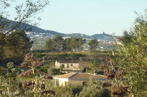 Villa Borrajo ligt in de Guadalhorce vallei, vlakbij Alhaurín el Grande.