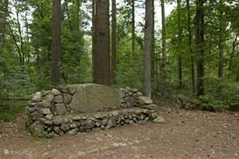 Even uitrusten tijdens een van de vele wandel- en fietsroutes door het natuurgebied Drouwenerzand.