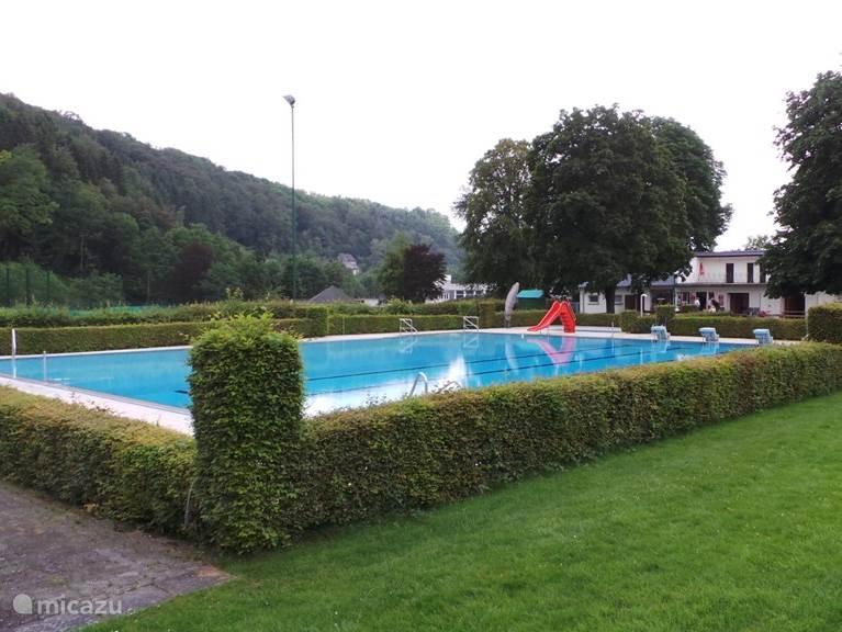 Het buitenzwembad