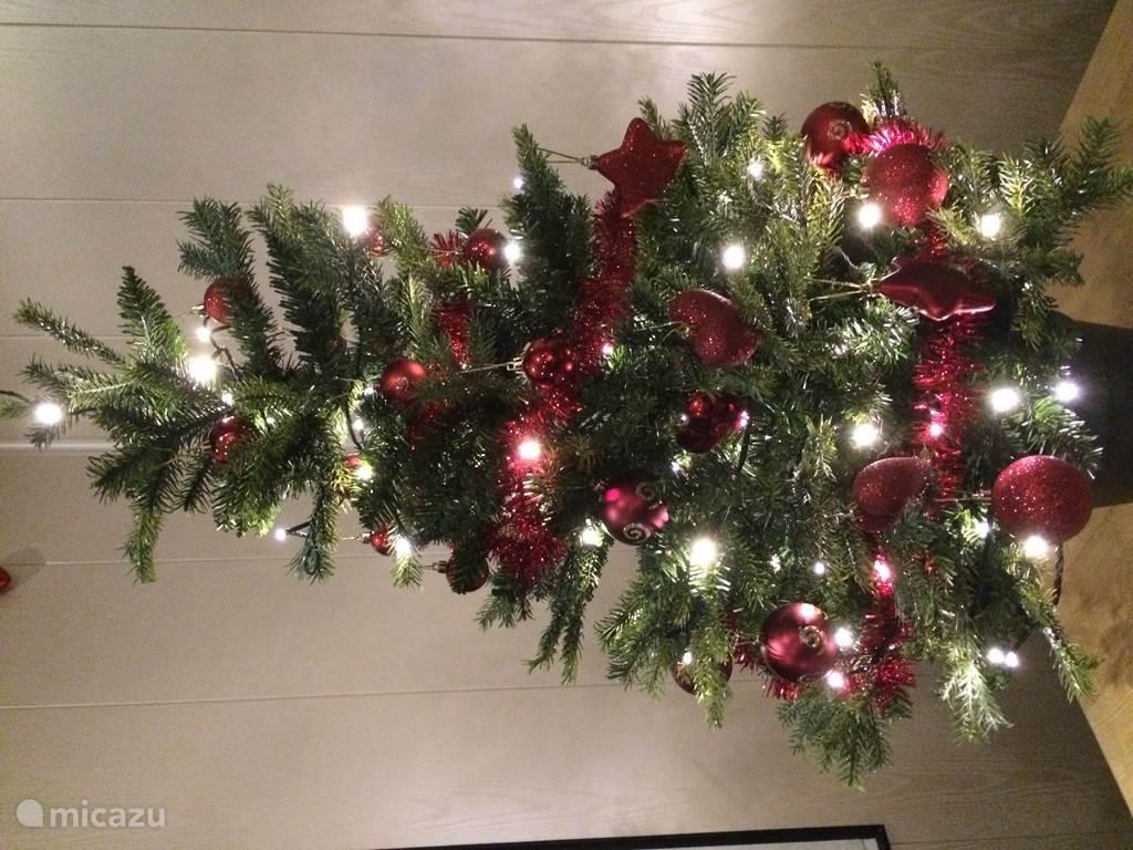 Kerstsfeer in Bosbungalow 8.