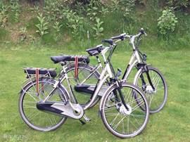 Elektrische fietsen staan voor u klaar.