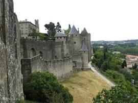 Op en achter de muren van de indrukwekkende middeleeuwse Cité de Carcassonne kun je gemakkelijk een dagje doorbrengen.