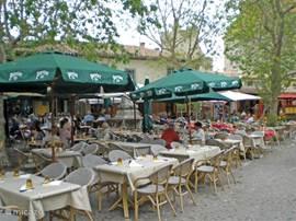 Een terrasje in de Cité van Carcassonne
