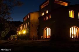 en dan 's nachts lang buitenzitten, genieten van een glaasje wijn en van een prachtige sterrenhemel, met alleen het geluid van de krekels...