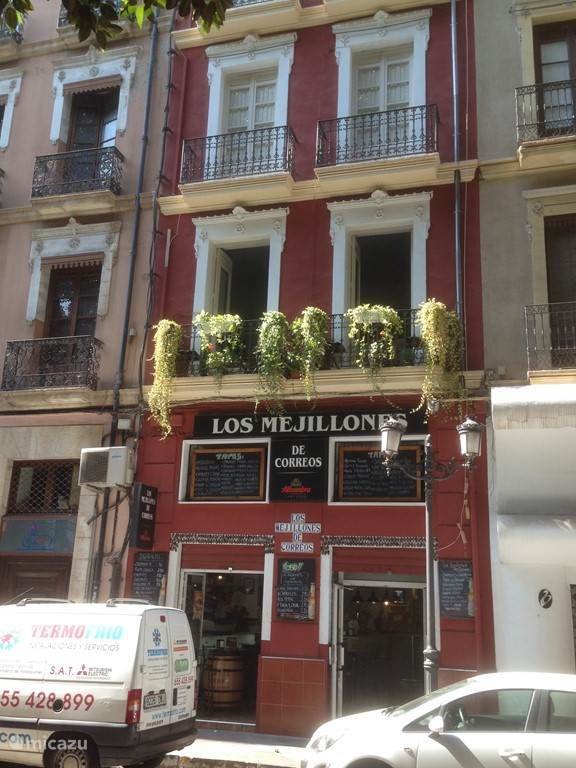 Een heerlijk authentiek restaurantje in het altijd bruisende Alicante.