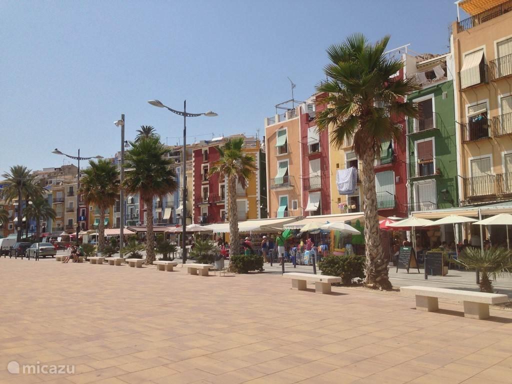 De unieke boulevard van Villajoyosa.